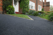Driveway Cleaning and Maintenance Tips