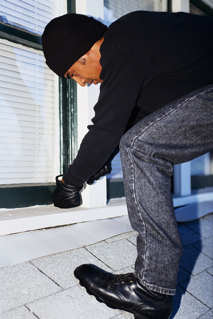 How to Burglar Proof Your Home for Vacation