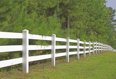 New Trends in Vinyl Fencing