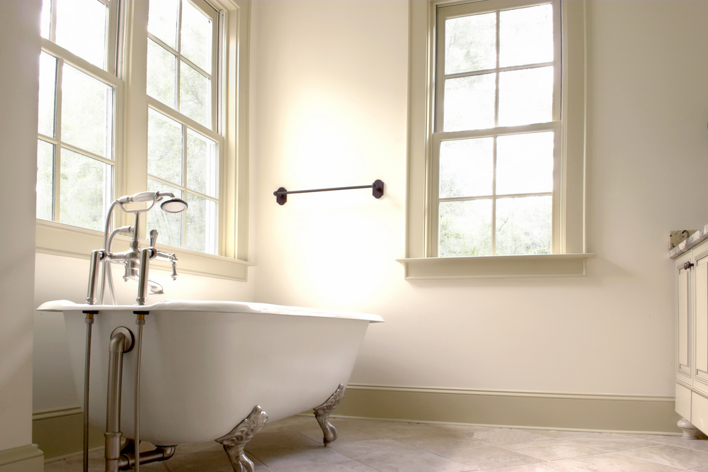 How to Update an Old, Worn Bathtub