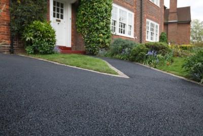 How to Maintain an Asphalt Driveway