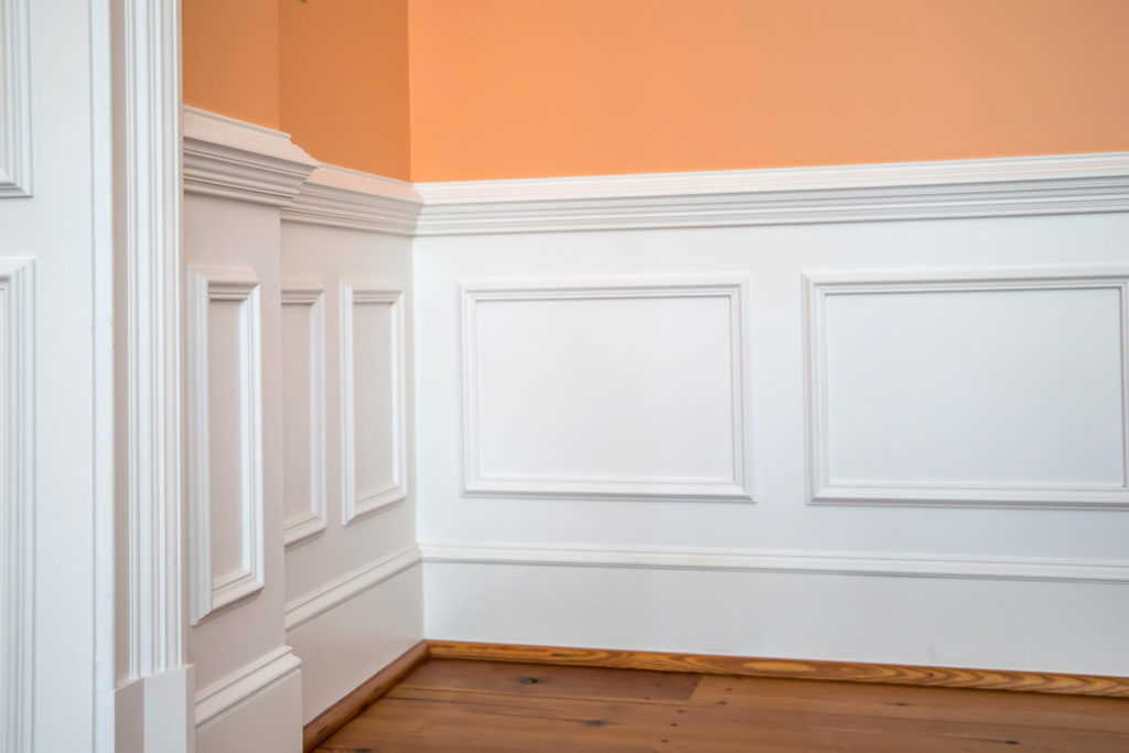 Wood wainscoting in a dining room