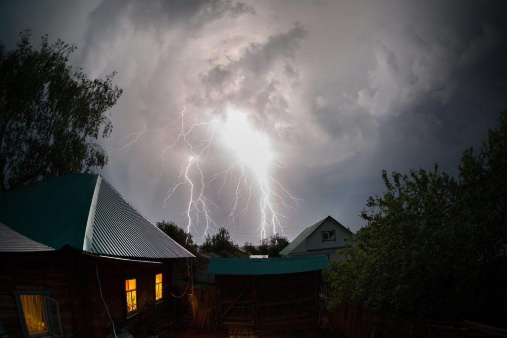 Lightning, Storms