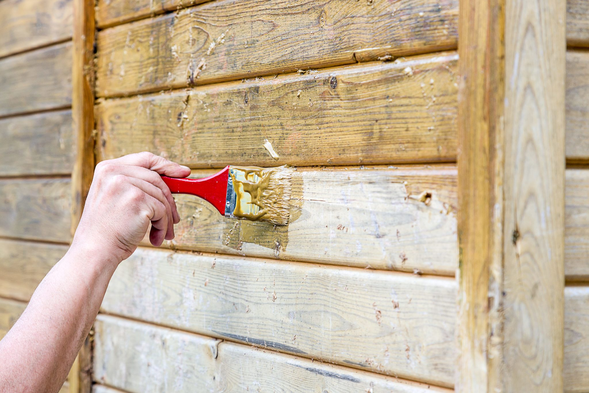 Tips to avoid 7 common exterior house painting mistakes the money pit for Exterior wood siding painting preparation