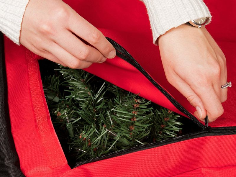 Storing a Christmas tree in a bag