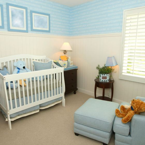 baby_nursery_crib_furniture_decor_shutterstock_13314460