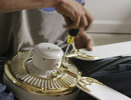 ceiling_fan_repair_assemble_assembling_assembly_install_installation_shutterstock_109679