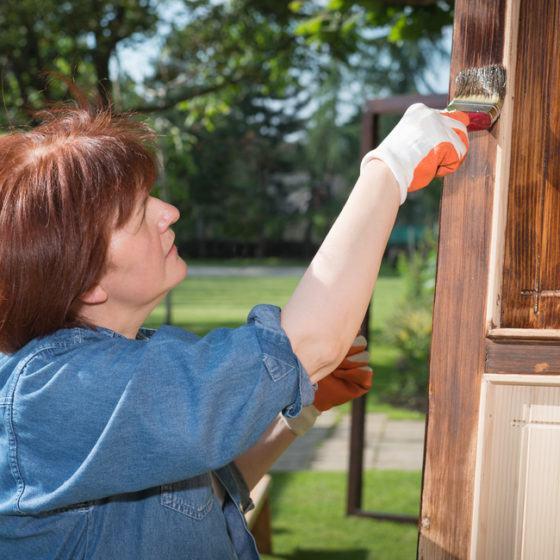 door_staining_stain_wood_wooden_shutterstock_176075864