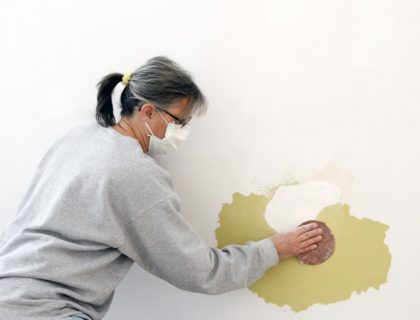 drywall_spackle_repair_sand_sanding_shutterstock_125692391
