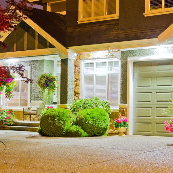 exterior_light_lighting_outdoor_light_fixtures_shutterstock_108651476