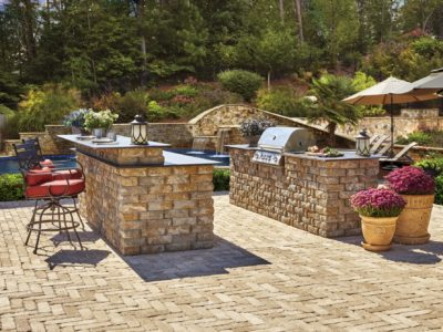 outdoor kitchen, patio, pavers
