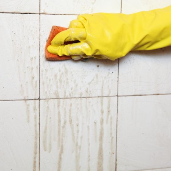 clean_cleaning_bathroom_tile_tiling_dirty_grout_shutterstock_125481644