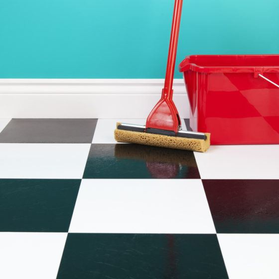 clean_cleaning_mop_mopping_linoleum_kitchen_floor_flooring_shutterstock_102143167