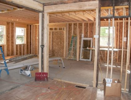 construction_renovation_remodeling_renovate_addition_build_building_house_room_shutterstock_152507141
