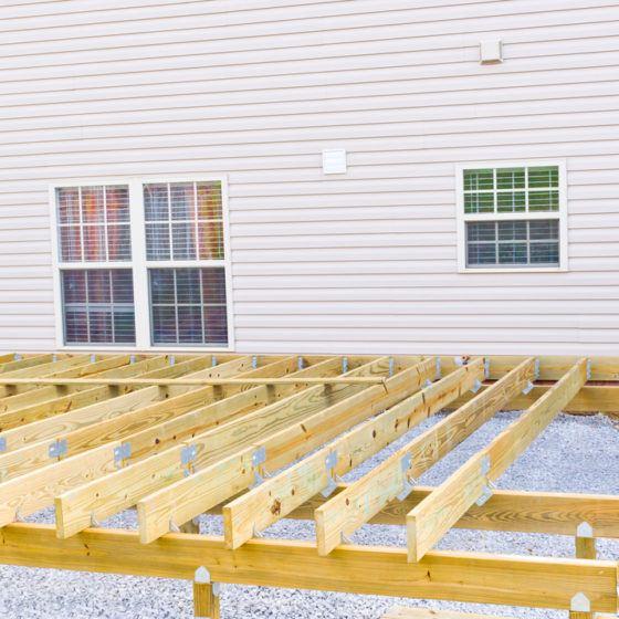 decking_deck_build_building_construction_backyard_shutterstock_155120405