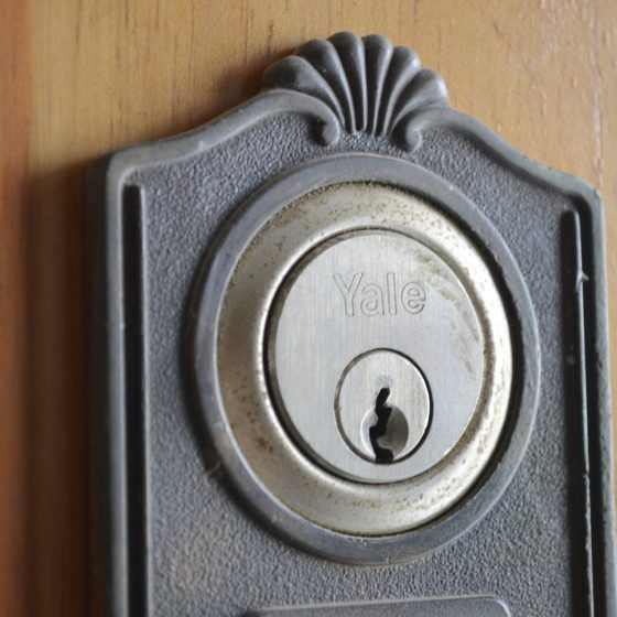 door-lock-1302259_1920