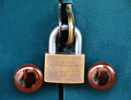 home-safety-pad-lock-1379463_1920