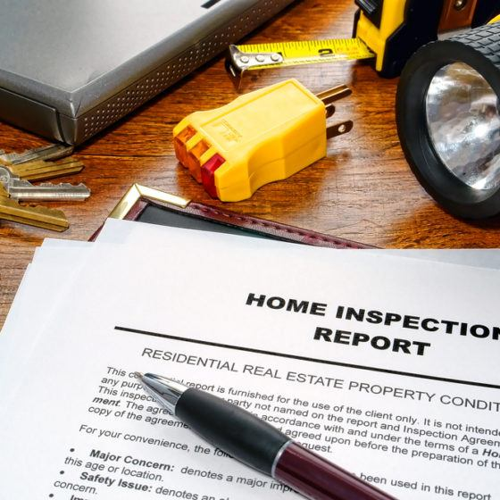 home_house_inspector_inspection_report_buying_selling_shutterstock_79995865