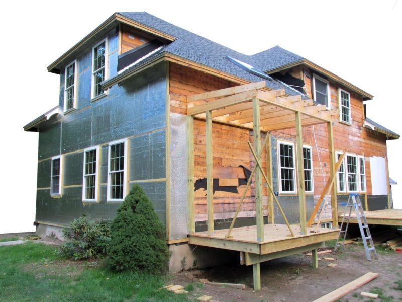 House undergoing a remodeling project