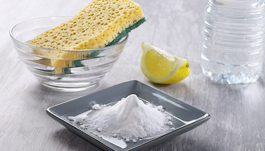 lemon_baking_soda_clean_cleaning_natural_shutterstock_153069143