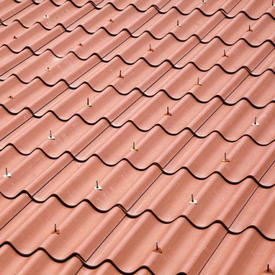 metal_roof_roofing_shutterstock_155455586