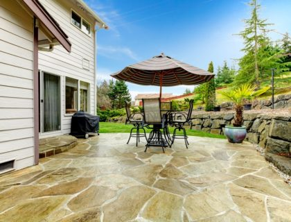 natural_stone_patio_flag_stone_flagstone_flag_field_stone_fieldstone_outdoor_furniture_backyard_shutterstock_177449870