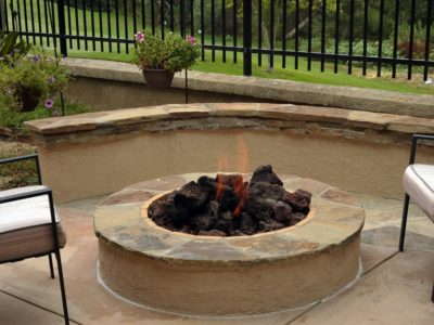 how to build the perfect outdoor fire