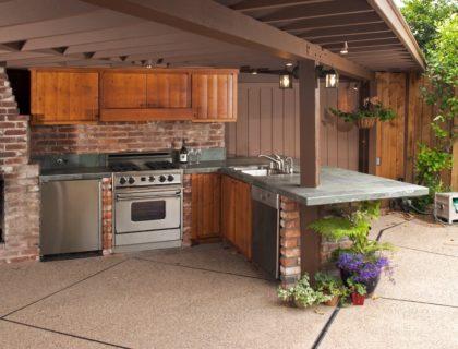 outdoor_kitchen_shutterstock_26042320