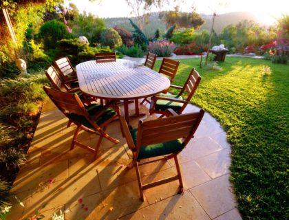 outdoors_outdoor_living_backyard_yard_dining_table_picnic_patio_furniture_shutterstock_12941818