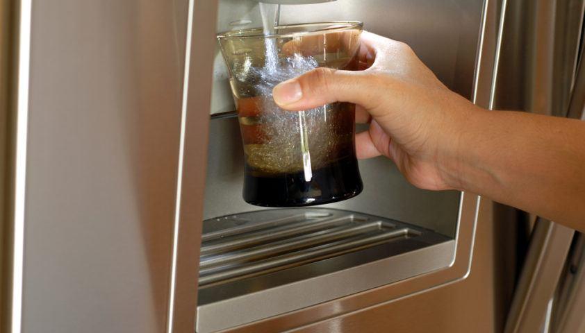 refrigerator_fridge_ice_water_dispenser_dispense_filter_filtered_shutterstock_22143787