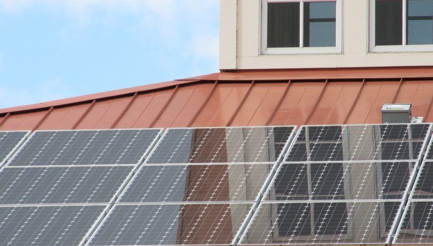 solar-panel-array-1794514_1280