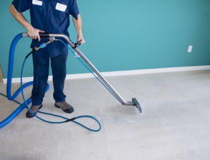 steam_clean_carpet_vacuum_shutterstock_16542133