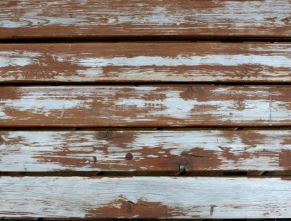 weathered_peeling_cracks_cracked_deck_stain_finish_refinish_refinishing_sand_sanding_old_shutterstock_1673486