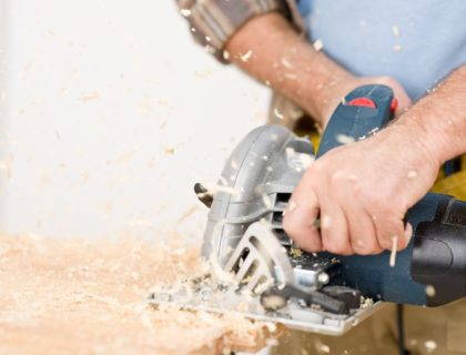 wood_saw_sawing_jigsaw_shutterstock_68661514
