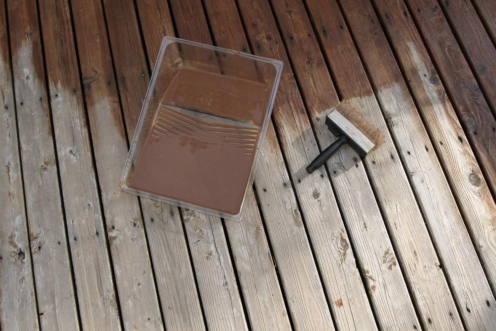 paint a wood deck