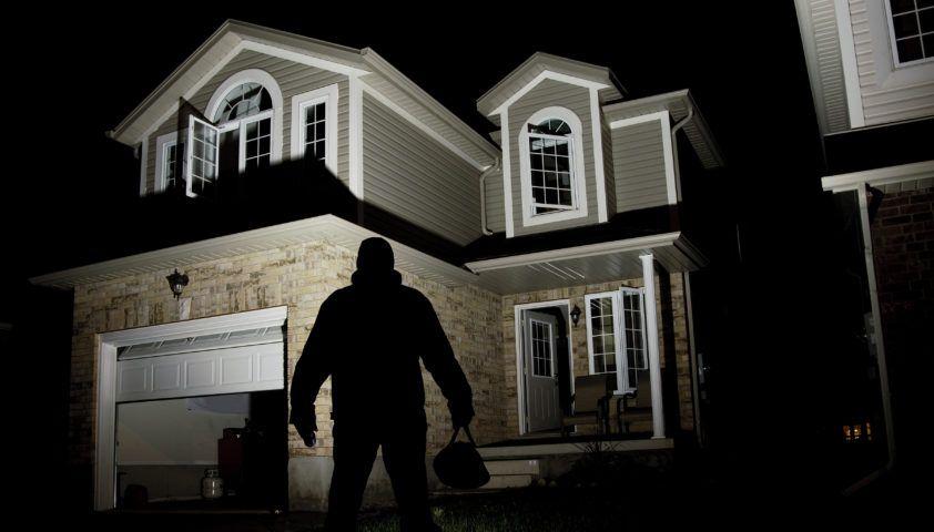 home_security_system_alarm_burglar_intruder_vacation