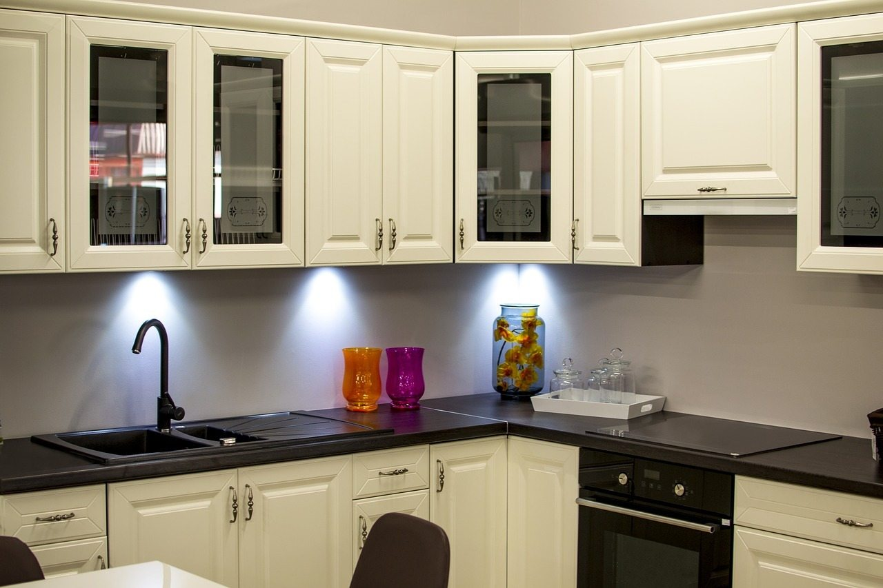 Under cabinet lighting in a kitchen remodeling project