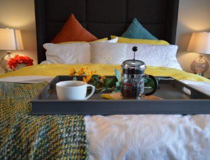 breakfast-in-bed-1158270_1280