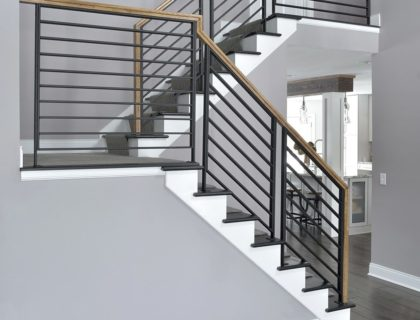 LJS – Pic – Metal Panel Stair – 1000