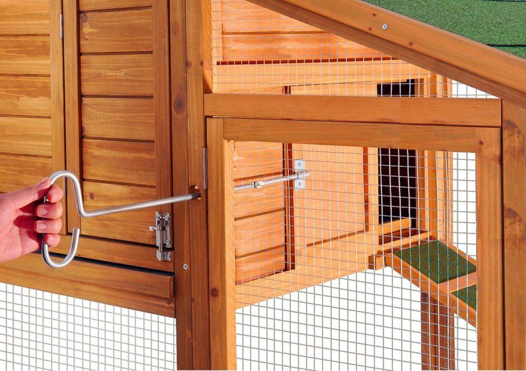 chicken coop with door