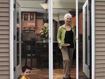 retractable screen door