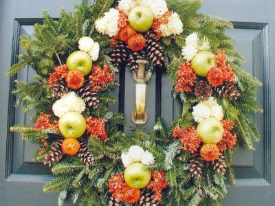 Historic Williamsburg Christmas wreath on door