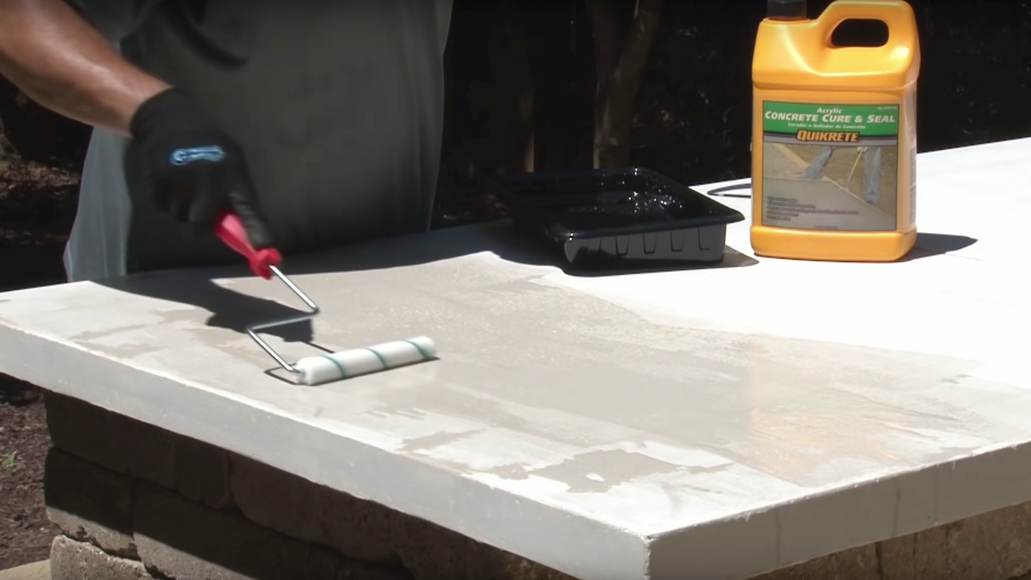 Sealing a concrete countertop