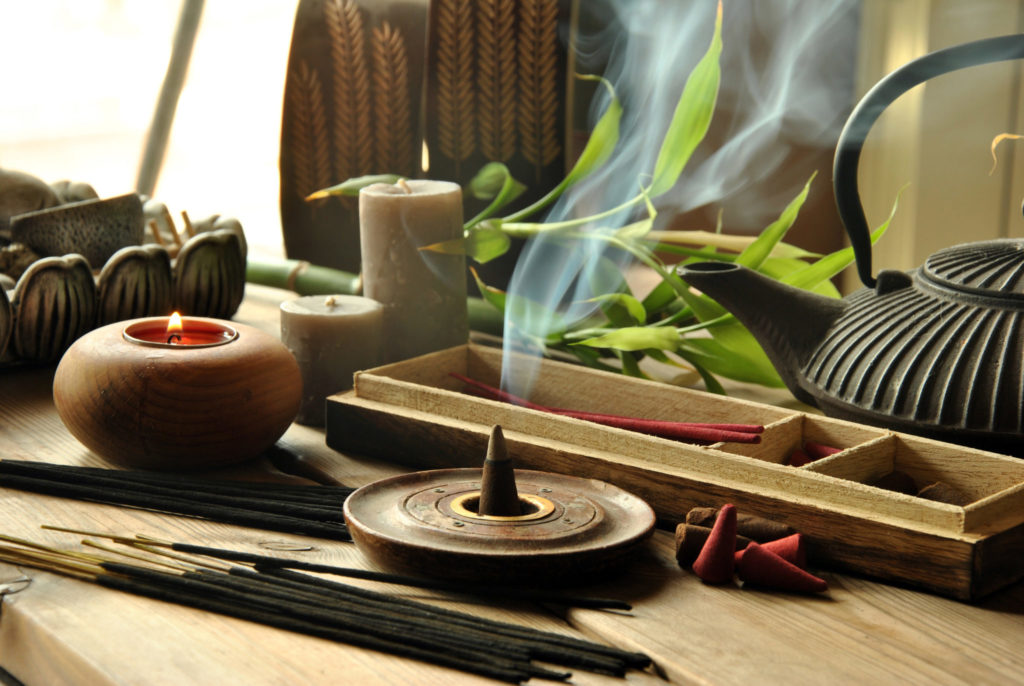 Smoke from candles or incense can trigger allergy problems during quarantine.