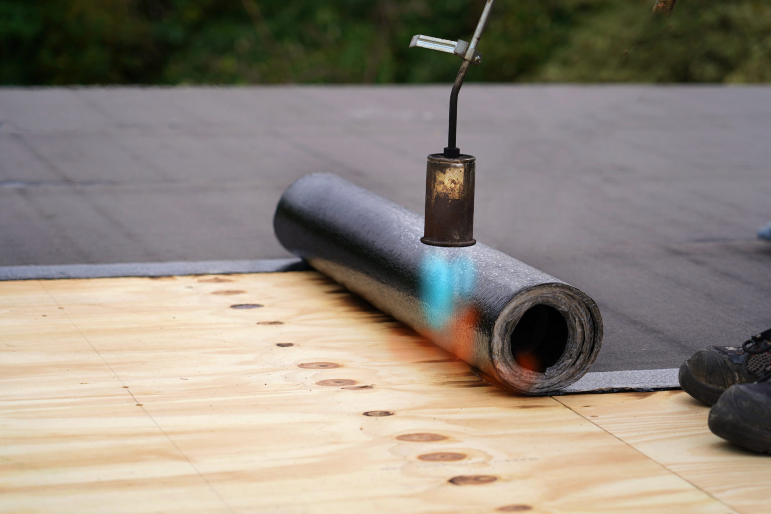 Modified Bitumen Low-Slope Roofing with Torch