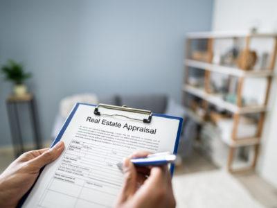 Resal estate appraiser in house