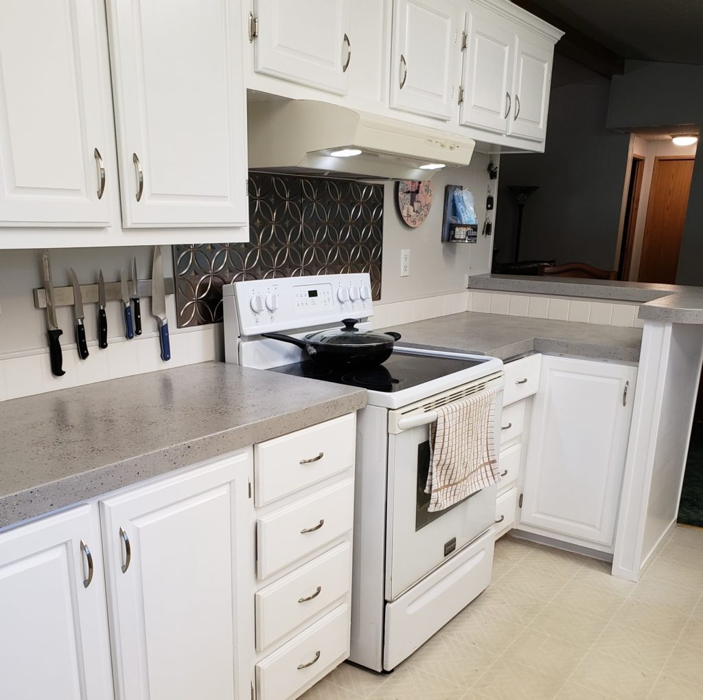 Theresa Woodruff's completed kitchen countertop after applying the SpreadsStone Countertop Finish Kit